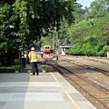 阿里山小火車駛離北門車站