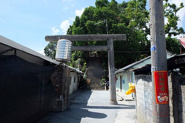 通往玉里神社的入口