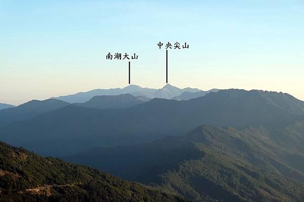 東北方中央山脈群山