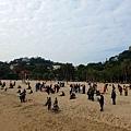 菽庄花園旁沙灘人群嬉遊
