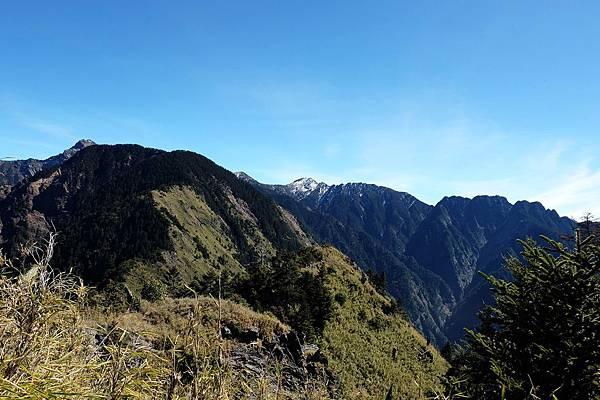 玉山前峰遙望風景