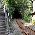 鐵道離開三貂村沒入山洞
