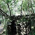 石牆堆疊成垣
