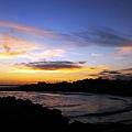 油彩畫般的一幅海邊夕景