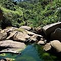 一片深山河谷的寧靜樣貌