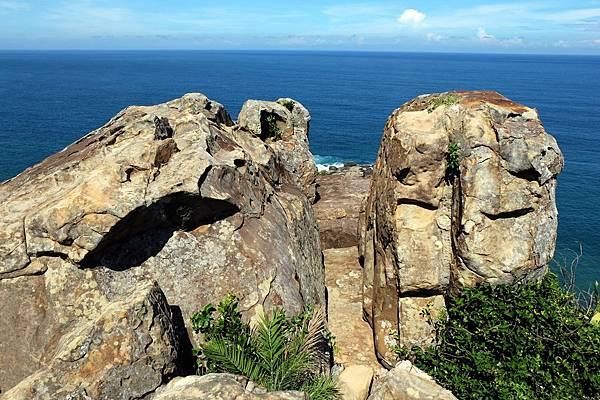 山海瀑布觀景巨岩