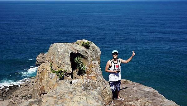 大海與巨岩合影