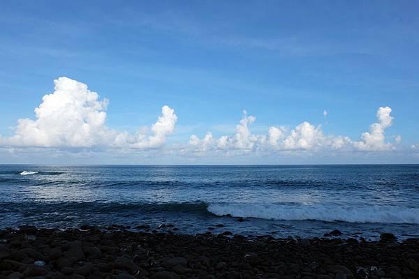 太平洋上雲朵跳舞