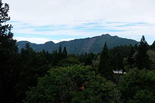 沼平車站遙望大塔山