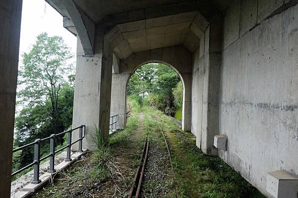 走出第1號明隧道