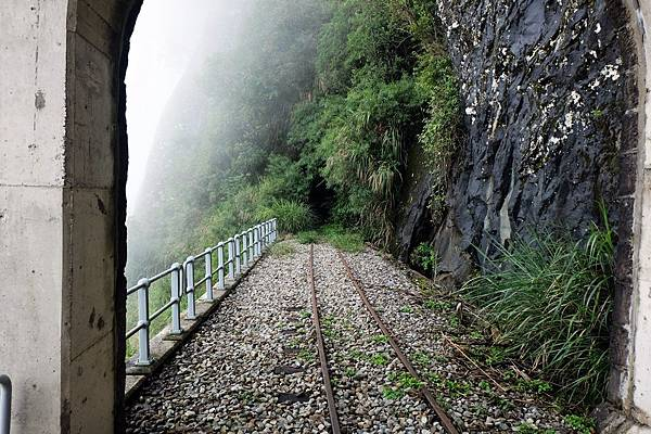 走出第2號明隧道
