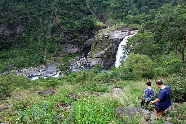 陡下路段溪谷風景