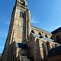 聖救主主教座堂鐘樓矗立