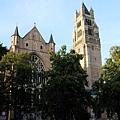 晨曦中的聖救主主教座堂