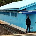 南韓憲兵面對北韓方向站崗