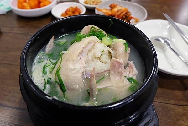 北村百年土種蔘雞湯