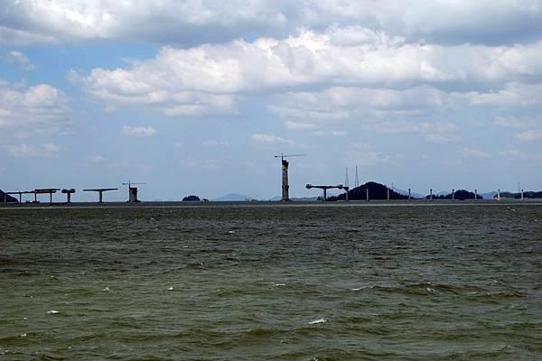 跨海大橋工程進行中