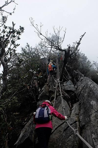 爬不完的岩石峭壁
