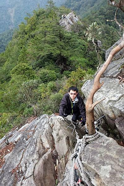 攀岩下山途中留影
