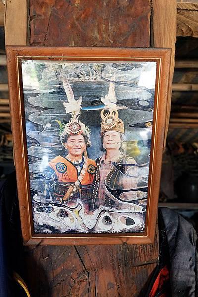 李正頭目與排灣族傳統服飾