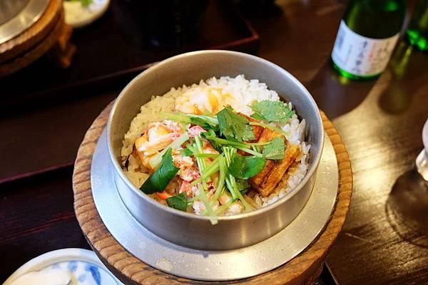奈良美食「志津香釜飯」