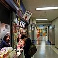 上層的飲食販賣區