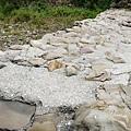 攔沙壩為河道中水泥加固的人造結構
