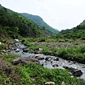 沿枋山溪河谷原路折返