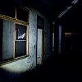探索地下室長廊
