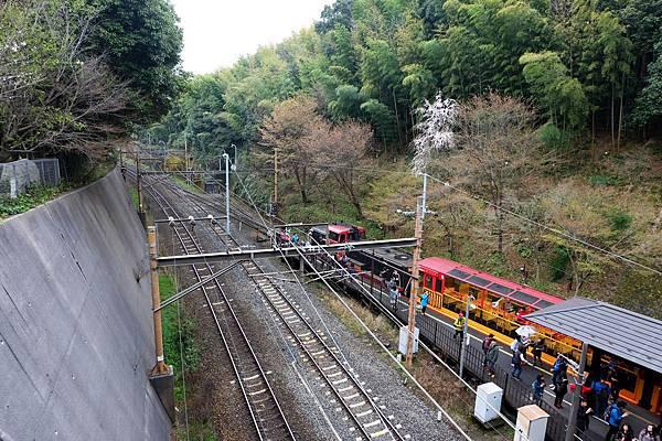 嵐山小火車匯入JR嵯峨野線