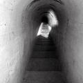 碉堡下通道階梯