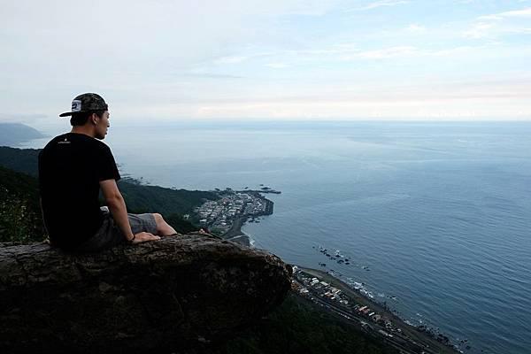 登臨鷹石岩賞海天風景