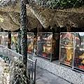 山窟中的眾神像
