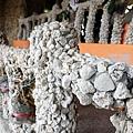 欄杆由珊瑚石所貼砌