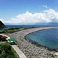 登山步道俯瞰龜尾海灣與龜尾湖地區