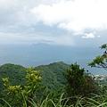 大溪線上眺望龜山島蓋帽