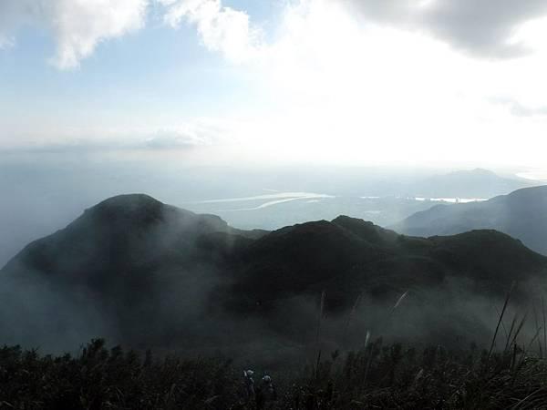 眺望台北盆地方向