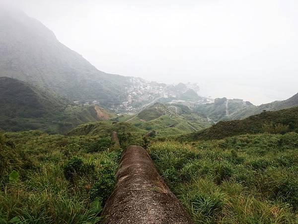 山稜線上的奇景煙囪稜