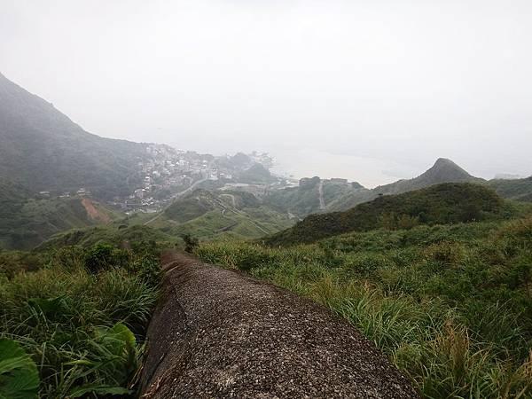 「長仁一號煙管」眺望山下風景