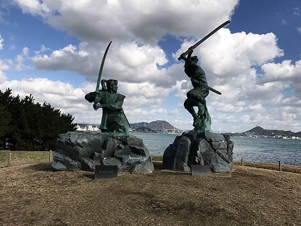 巖流島決鬥雕像