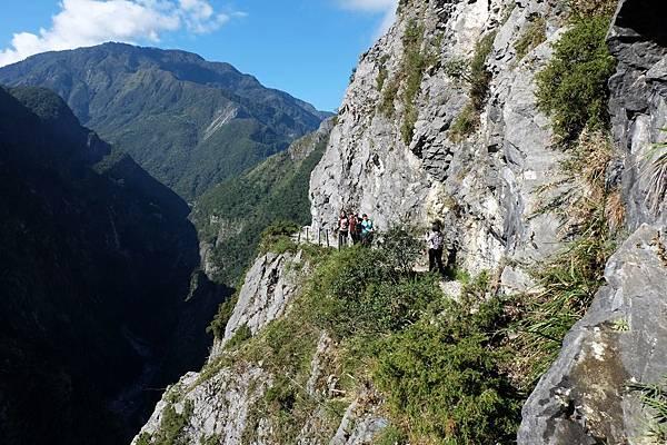 斷崖步道一景