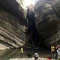 南化大地谷盡頭的瀑布與深潭