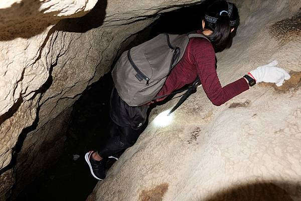 挑戰情人洞唯一關卡「攀岩落地」