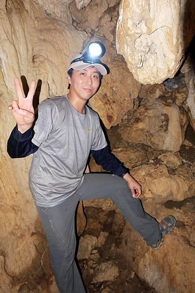 可容納人直立的小洞窟