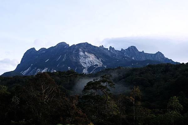 眺望沙巴神山