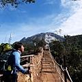 09:44 步道直指沙巴神山之處