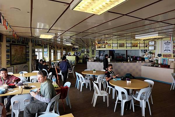 Laban Rata一樓餐廳大廳