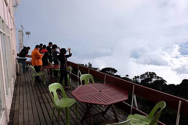Laban Rata餐廳外的露天陽台