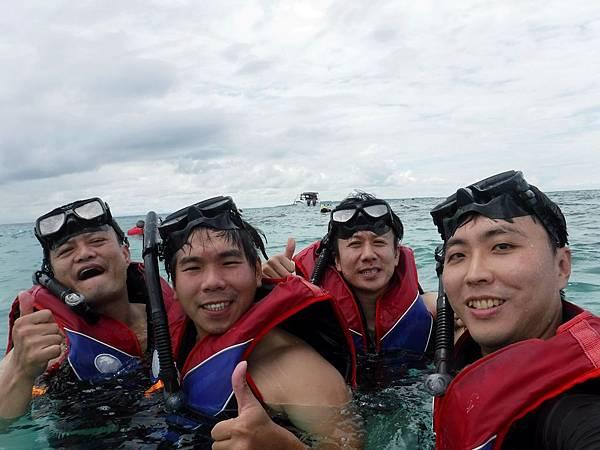 迪加島浮潛留影