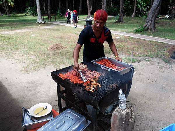 BBQ準備午餐